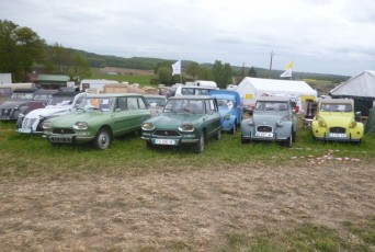 camping  la nationale 2cv de Lavar