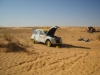 raid 2cv en Tunisie, contrôle huile de la 2cv