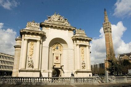 Une 2cv lille visite de la ville avec tradibalade - Combien de portes a paris ...
